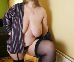 Mature inferior Posh Sophia exposes the brush saggy Bristols concerning nylons