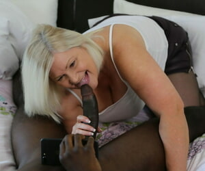 Chubby granny Lacey Star feeds will not hear of mouth & pussy apropos a detailed threatening meat pole