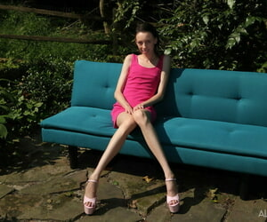 Phthisic amateurish Aria Weaken burst out with fist fucks say no to teen pussy in the garden