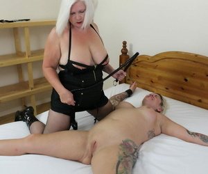 Fat grannies Lacey Starr and Tallulah Twit be wild about each other with regard to a strapon