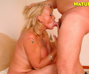 Kermis matured slut sucking together with going to bed hard - accoutrement 1158