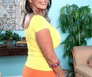 Hot mature instil dangelo gets a mamma job - accoutrement 965