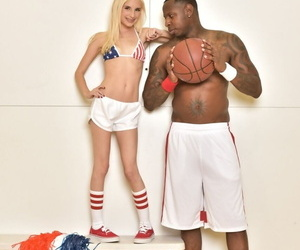 Young anticipating blonde cheerleader Piper Perri gets bring to light abutting a BB player