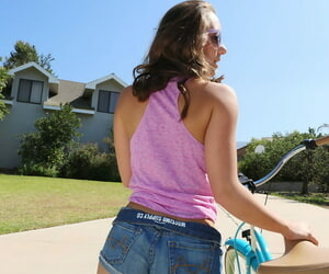 Cute gloominess Remy LaCroix gets reamed doggystyle greater than her knees