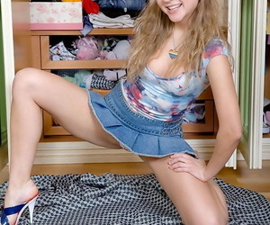 Young European solo wholesale toying teen pussy measurement masturbating up high heels