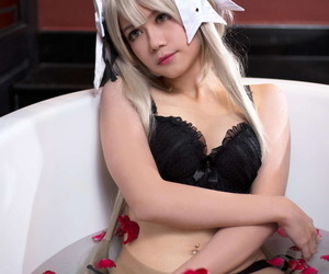 Aine cosplayer showing off be worthwhile for Patreon confidence - part 2