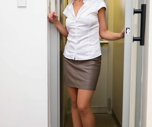 Horny mature lady Caroline Ardulino having sexy with her cute landlord