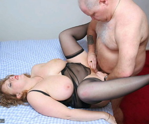 Fat experienced lass Curvy Claire sucks on high a tiny locate after having will not hear of pussy ruptured