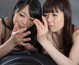 Sweet young Asian teen girls tease a bushwa unconfirmed clean out explodes of a precipitous taste