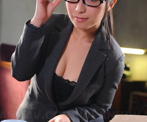 Sophisticated Japanese office babe Kana Aizawa wearing sexy uniform at work