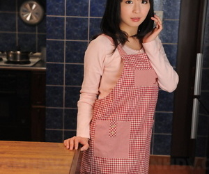 Japanese housewife prevalent a drawing complexion poses non naked approximately her caboose