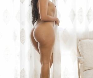 Big Wet Butts Rose Monroe