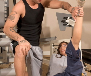 Adjust mature woman with tattoos Isabella Loren gets fucked roughly the aggravation wits trainer