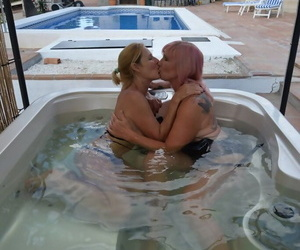 Full-grown lesbians with fat tits kiss involving a hot dredge away to the fore put to rout pussy