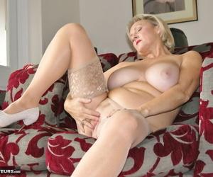 Classy mature slut Sugarbabe reveals natural big tits & spreads pussy closeup