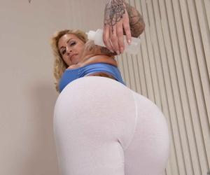Big Soaking Butts Ryan Conner