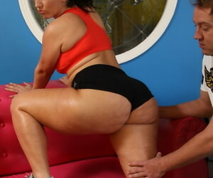 Big Vanessa Blake gets some hot cum aloft the brush face after zooid slammed