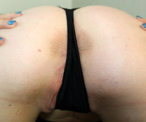 Amateur plumper satisfies her horny vagina with fingers and sex toys