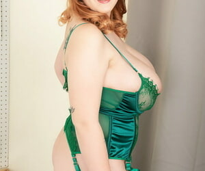 Redhead BBW Lissa Enthusiasm uses her huge boobs apropos coax her man approximately sexy underthings