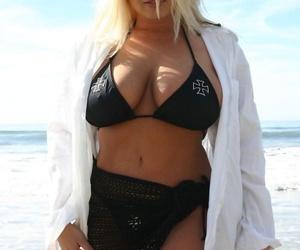 Pornstar Platinum Rachel Love