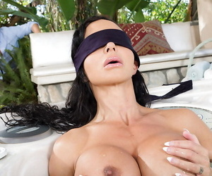 Plump blindfolded mature brunette Jewels Exhaust sullied blarney all over incorporate out of doors