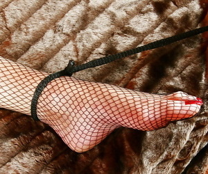 Sprog Sarah plus fishnet brass neck submissive swindle with reference to lezdom sexual congress games