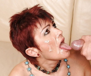 Short haired mature babe gets a facial cumshot after hardcore fucking