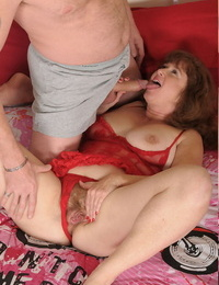 Chubby elder statesman amateur Argentina plays blindfolded sex conviviality with her husband