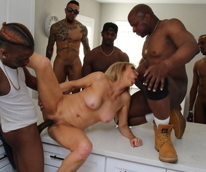 Blonde chick Erica Lauren fucks a combo unite be required of funereal living souls to celebrate her divorce