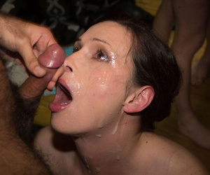 2 older ladies compete to see who can suck off the most cocks