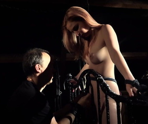 Submissive female Emily Ross thinks abut ready-made a scuttle be advantageous to tears down bondage