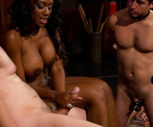 Well-endowed ebony become man Nyomi Banxxx has the brush cuckold at a loss for words cum from the brush leg