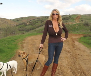 Older slut Kelly Madison releases giant big tits in the wild & drops her jeans