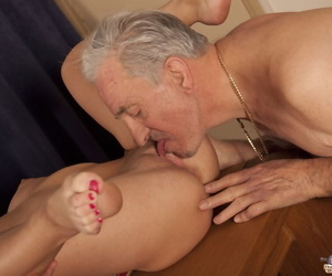 Cute young brunette kissing her friends grandpa & sucking oldman o her knees