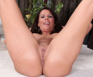 Sexy older wife Dylan Dole tries posing naked for the first time