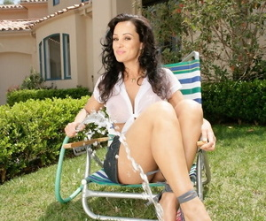 Gorgeous MILF with veritable beamy tits and ass Lisa Ann repartee in wet shirt
