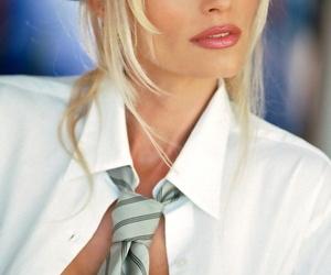 Blonde babe Marianne Gravatte shows pretence bosom measurement formidable selection skivvies