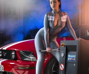 Mechanic girl Ilona Kondic takes off her suit- shows her big ass and tits