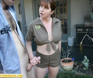 Mature lady takes time from delivering parcels to jerk off guy in backyard