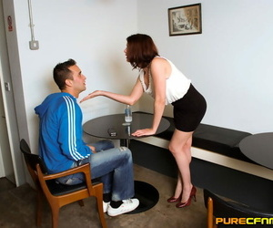 Blindfolded person receives a great junkie from a hottie to hammer away fore CFNM line