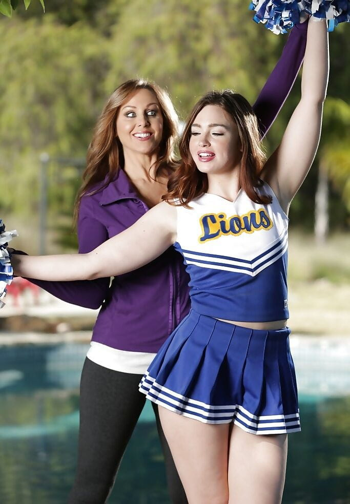 Milf Seduced Teen Lesbian