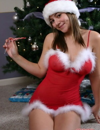 Cut teen girl Karas Handfull poses in sexy Xmas outfit under the tree
