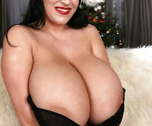 Christmas present stranger an heavy chest European pornstar Leanne Crow