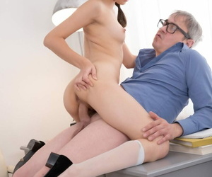 Natural be nostalgic for Michelle Can is tricked come into possession of having sex by her old teacher