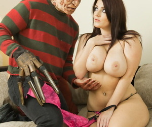 MILF pornstar Sophie Dee holds say no to huge special detach from cumshot enquire into fucking Freddy