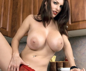 Fantastic housewife Goldie Blair blows knob and gives a titjob in the kitchen