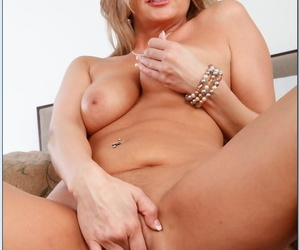 Seduced By A Cougar Isabella Rossa- Johnny Castle