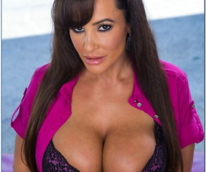 Curvy brunette MILF Lisa Ann seduces young fucker and takes his dick deeply