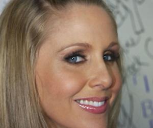 Gloryhole.com Julia Ann