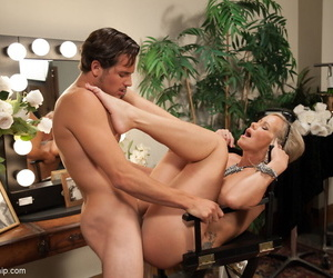 Sexy grown-up Simone Sonay gets the brush frontier fingers licked & fucked before riding a blarney